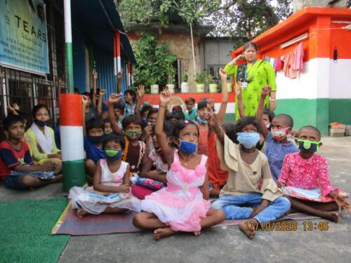 Phase II Festive New Dress Distributions followed by Lunch at Howrah – West Bengal